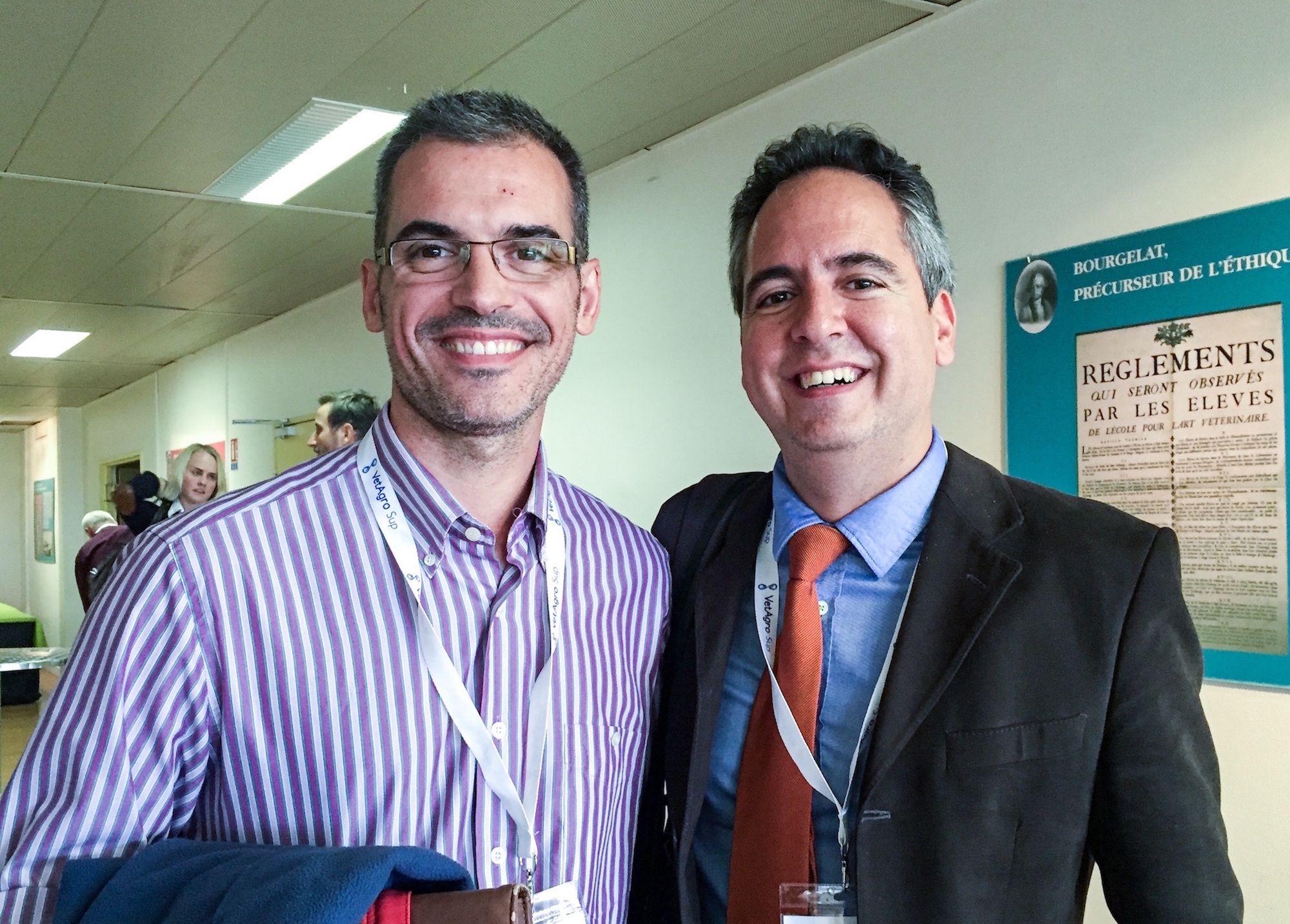 Los profesores Fernando Martínez Taboada, de la University of Sydney, y José Ignacio Redondo, de la CEU UCH, autores de SIESTA, primera escala para evaluar la sedación en perros.