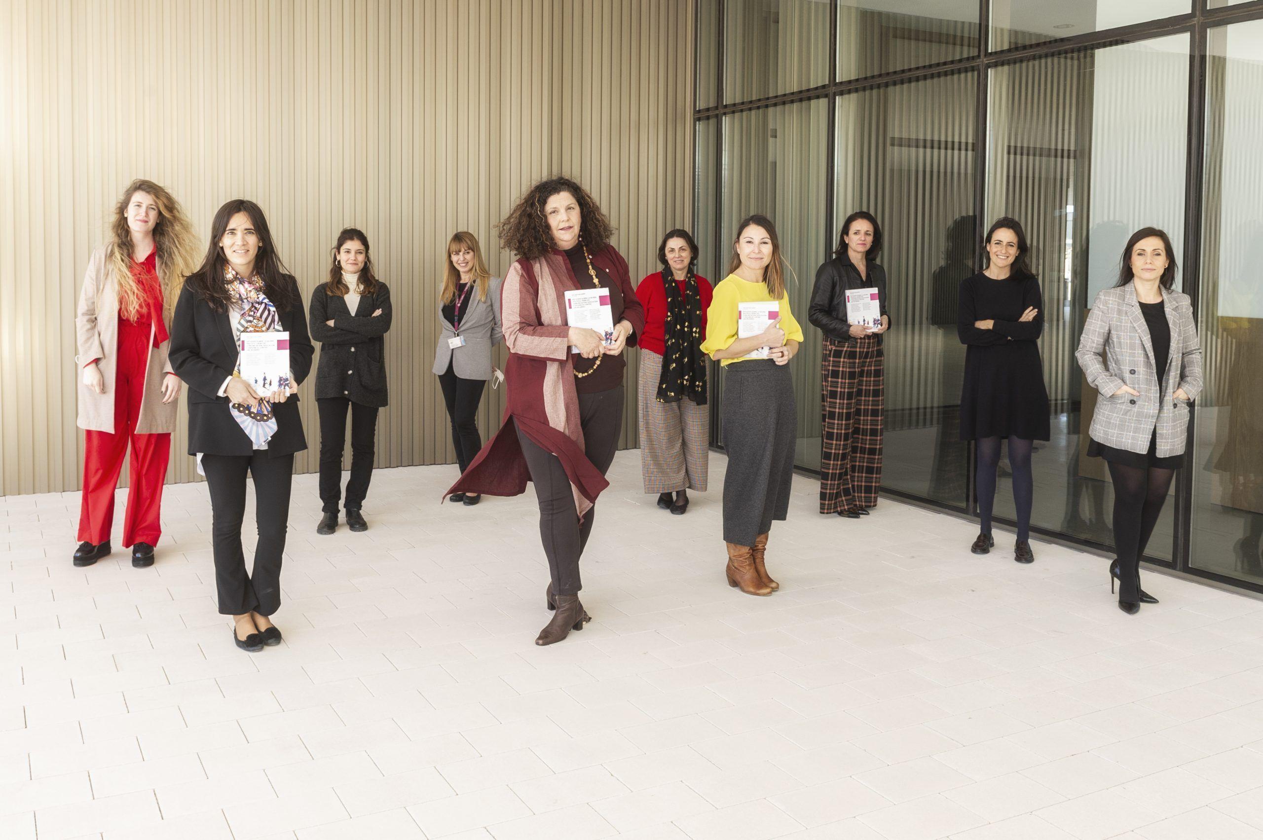 Estudios sobre la mujer: algunas de las autoras de esta obra colectiva