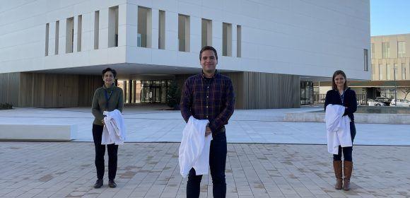 Isabel Guillén, Javier Fernández Aguilar y Mar Jovani, autores del estudio sobre ansiedad en el dentista y consumo de analgésicos.