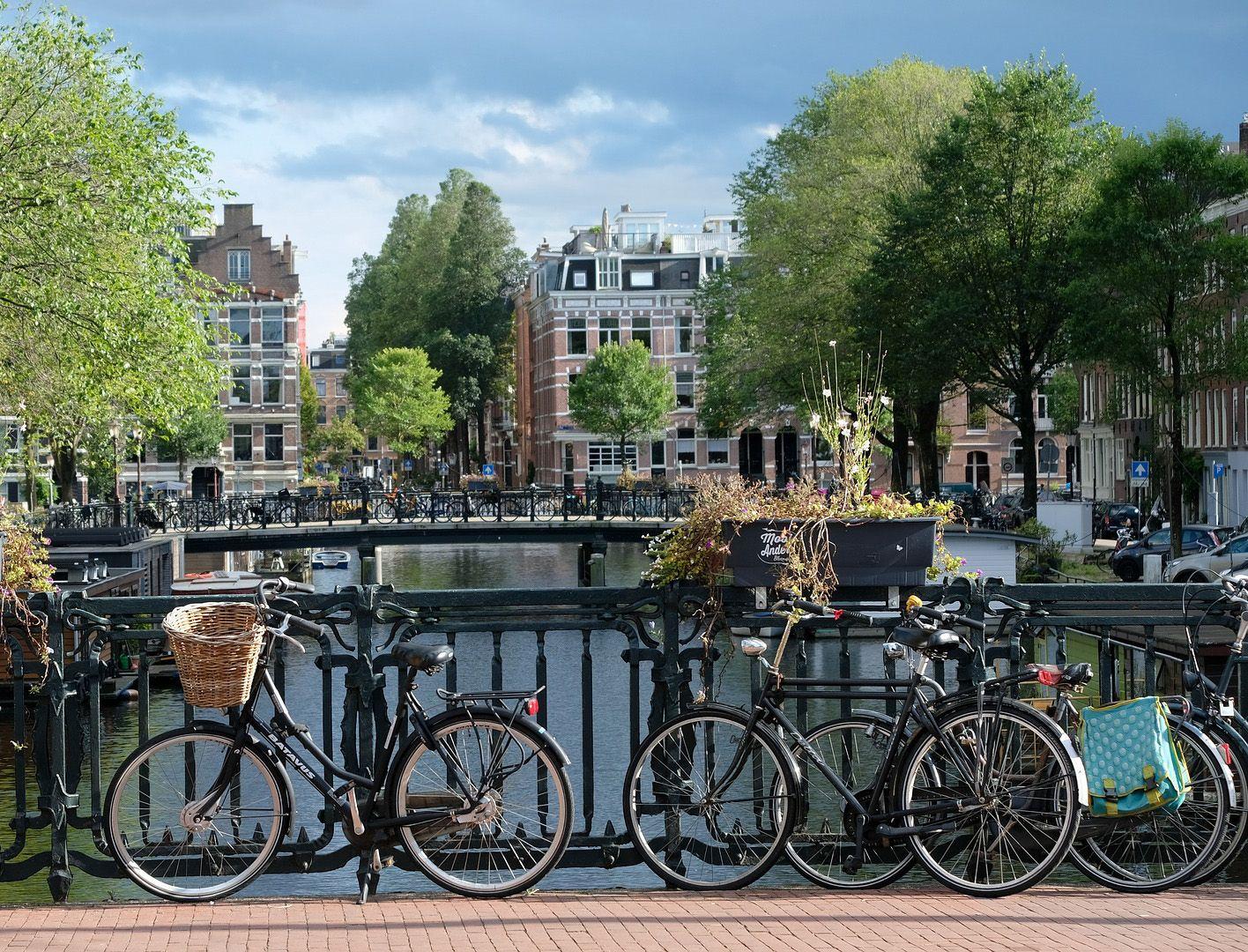 Amsterdam, vista de canal