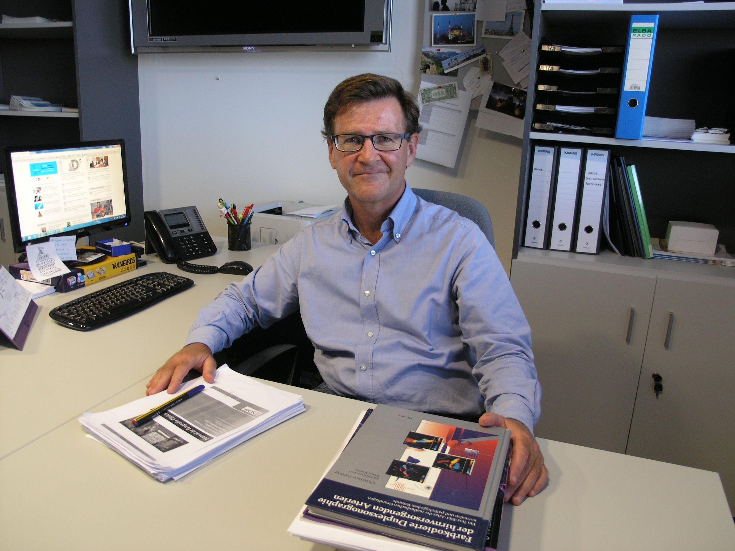El profesor de Medicina Interna de la CEU UCH Enrique Rodilla Sala, especialista de la Unidad de Hipertensión y Riesgo Vascular del Hospital Universitario de Sagunto.