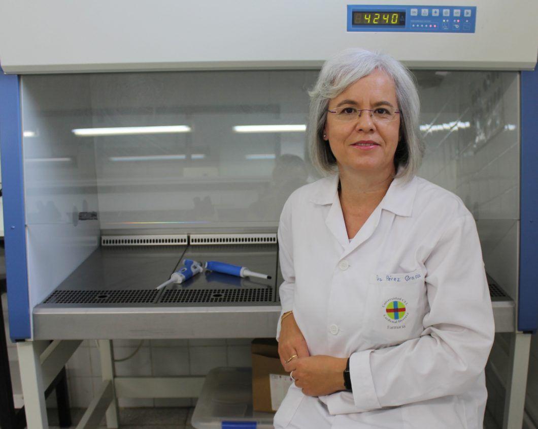 Teresa Pérez Gracia, catedrática de Microbiología de la CEU UCH, es la primera española en el ranking 'top 1% scientists' en hepatitis E.