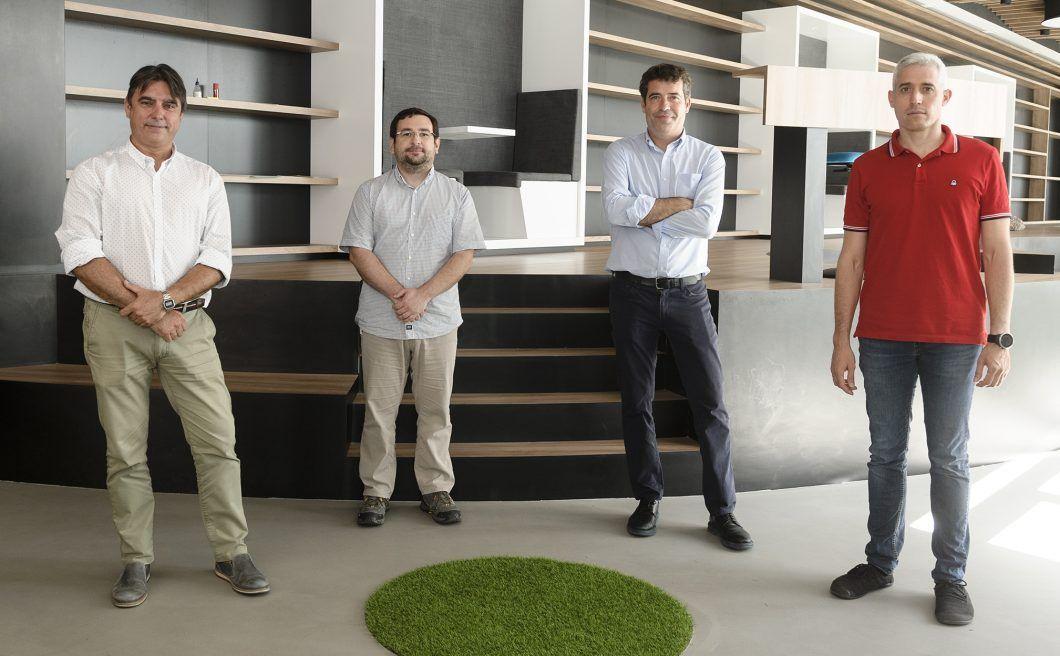 Los profesores Víctor García Peñas, Luis Doménech, Fernando Sánchez y Jordi Renau, investigadores del Grupo TecEner autores del proyecto BEETool.