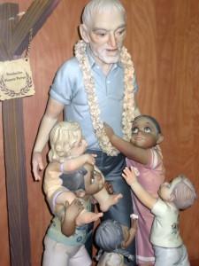 Ninot dedicado al misionero Vicente Ferrer/ Archivo