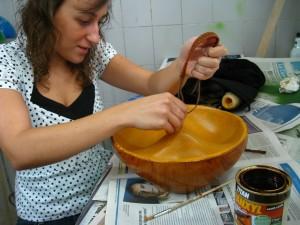 alumna trabajando en bowl africano